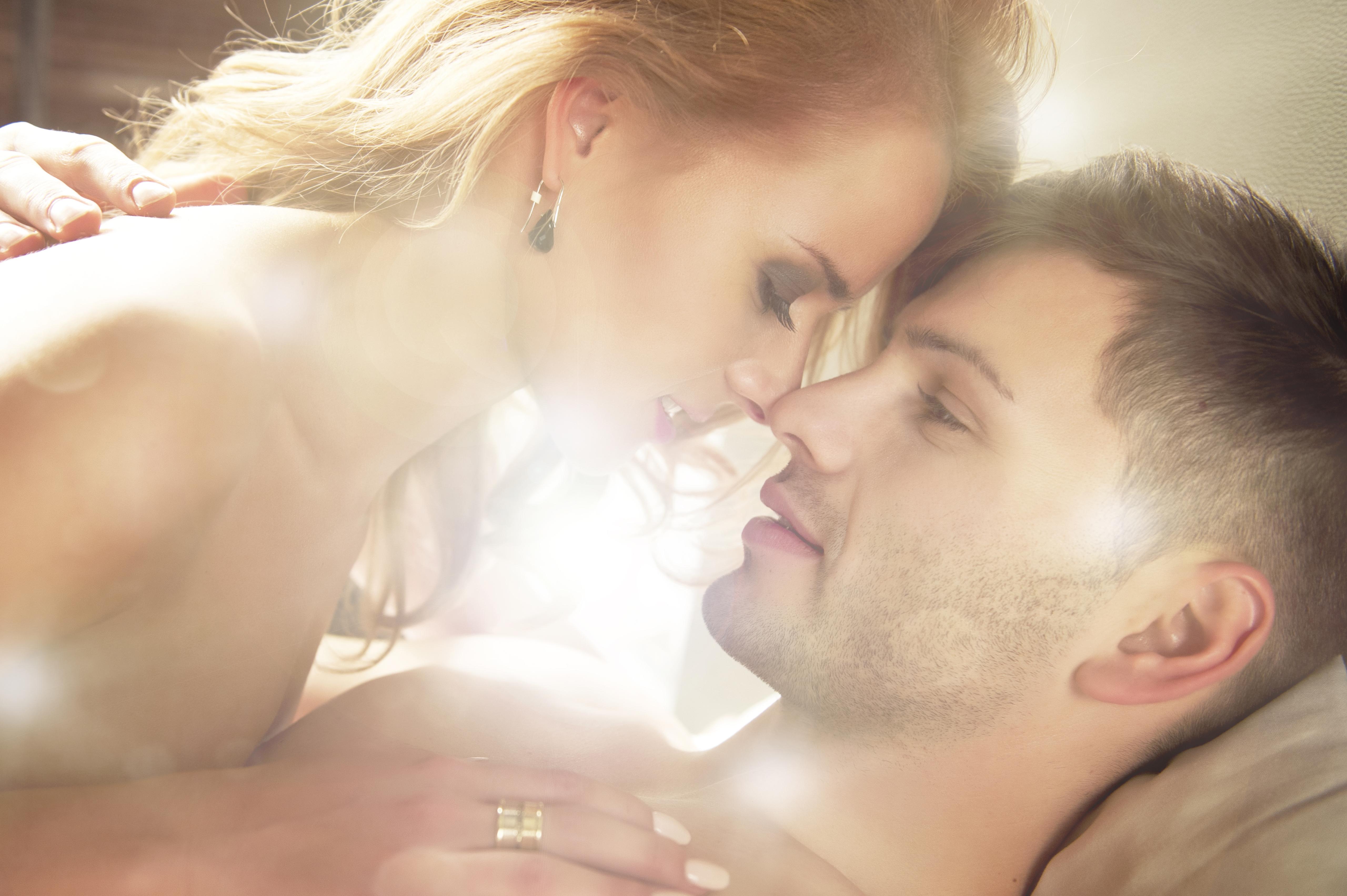 Сексуальные фразы мужу, Как соблазнять мужчину на расстоянии, какими словами 24 фотография